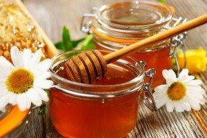 мед полезен как добавка при растирании