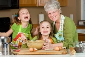 бабушка и лекарства от кашля