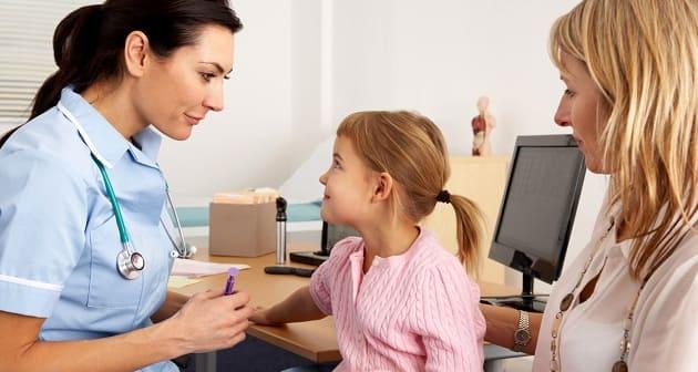 Мама и ребенок у врача